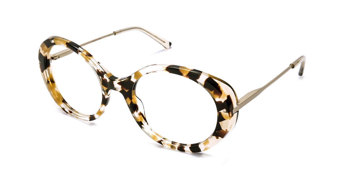 b29b7c760d En Iberóptica tienes tus gafas Etnia para hombre, mujer o niño, graduadas o  de sol. ¡No esperes más y ven a probártelas!